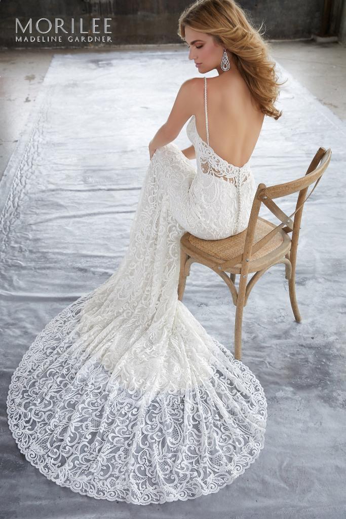 Rochii de mireasa Avangarde Bride