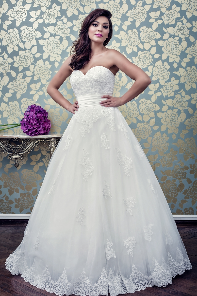 Best Bride lanseaza o noua colectie de rochii de mireasa spectaculoase, in cadrul Weekendului Portilor Deschise, desfasurat in Bucuresti