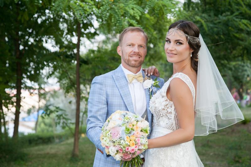 Narcisa & Hans: love story - romano-danez
