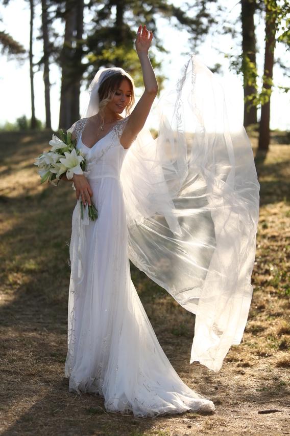 Laura Cosoi in rochia de mireasa