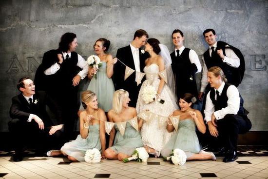Domnisoarele si Cavalerii de Onoare de nunta