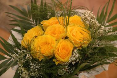 Poze Buchete Mireasa Aranjamente Florale Trandafiri Galbeni Nu